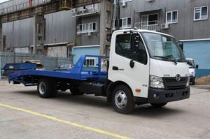 Эвакуатор HINO 300 XZU720L до 7,5т. ломаная платформа